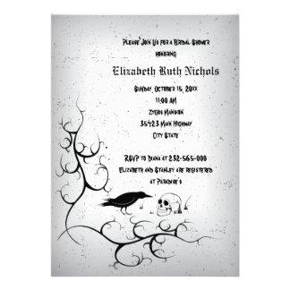 Ducha nupcial del boda gótico del cuervo y del crá invitación personalizada