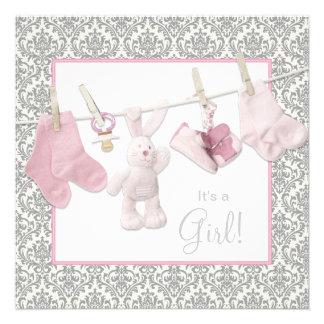 Ducha rosada de la niña de la cuerda para tender l