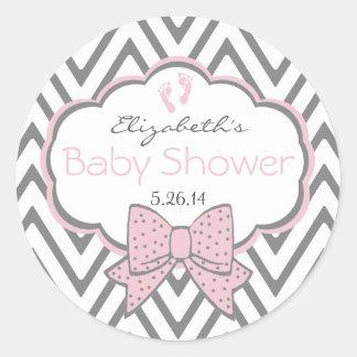 Ducha rosada y gris del Chevron-Bebé Etiqueta Redonda