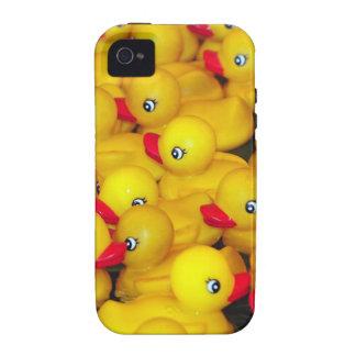 Duckies de goma amarillos lindos iPhone 4 fundas
