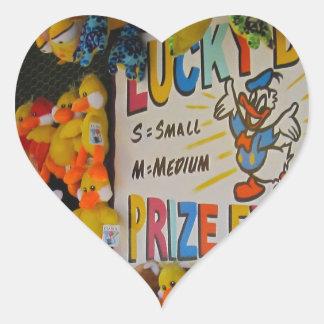 Ducky afortunado de los días del carnaval calcomanías corazones
