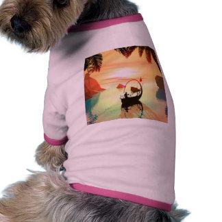 Duende con el barco hermoso de la lámpara camiseta de perro