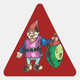 Duende de Santa y ornamento sonriente Pegatina Triangular