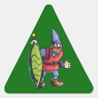 Duende de Santa y ornamento verde del navidad Pegatina Triangular