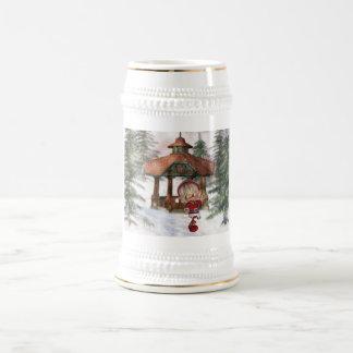 Duende del navidad en la cerveza Stein de Polo Nor Taza De Café