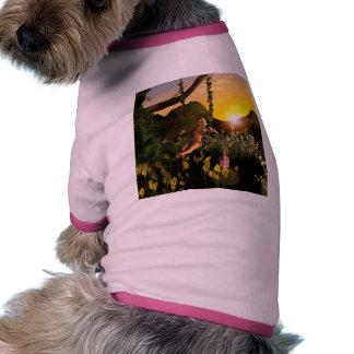 Duende en un oscilación camisas de mascota