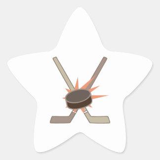 Duende malicioso de hockey pegatina en forma de estrella