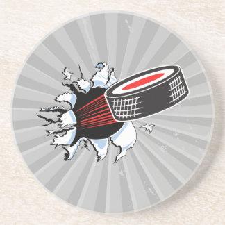 duende malicioso de hockey que rasga a través posavasos personalizados