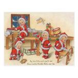 Duendes que hacen los juguetes tarjeta postal