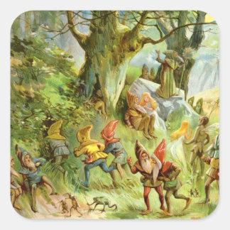 Duendes y gnomos en el bosque mágico oscuro pegatina cuadrada