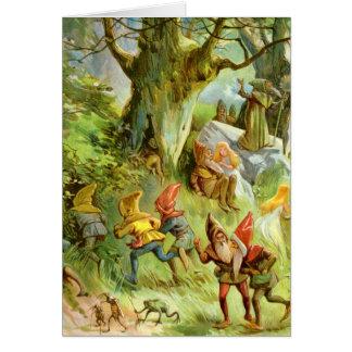 Duendes y gnomos en el bosque mágico oscuro profun tarjeta de felicitación