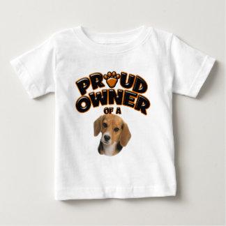 Dueño orgulloso de un beagle playera de bebé