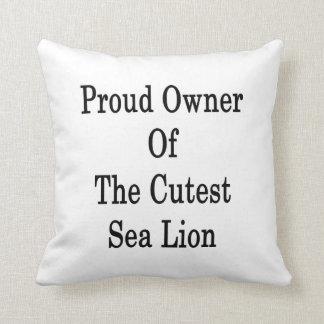 Dueño orgulloso del león marino más lindo cojines