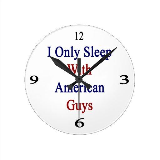 Duermo solamente con los individuos americanos relojes