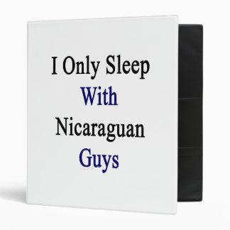 Duermo solamente con los individuos nicaragüenses