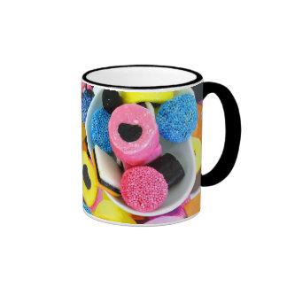 dulce de allsorts del regaliz taza