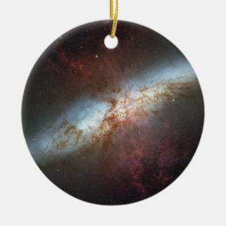 ¡Dulce feliz dieciséis, telescopio de Hubble! - Adorno Navideño Redondo De Cerámica