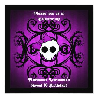 """Dulce púrpura 16 de la casilla negra del cráneo invitación 5.25"""" x 5.25"""""""