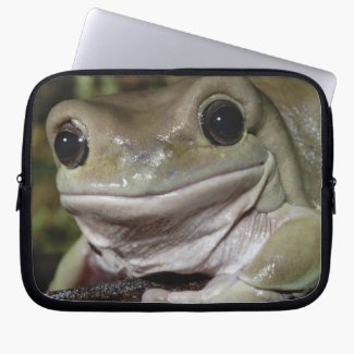 The Dumpy Tree Frog Smiles At You Laptop Sleeve