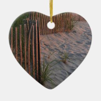 Duna de arena adorno navideño de cerámica en forma de corazón