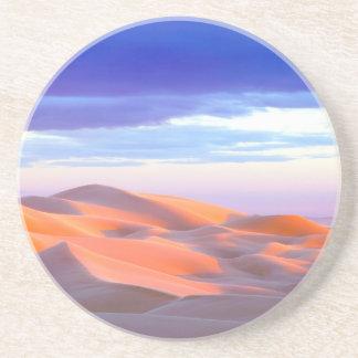Dunas de arena de Glamis en la puesta del sol Posavasos De Arenisca
