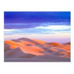 Dunas de arena de Glamis en la puesta del sol Postales