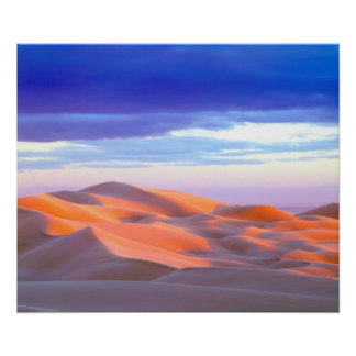 Dunas de arena de Glamis en la puesta del sol Póster