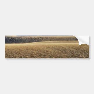 Dunas de arena de los desiertos etiqueta de parachoque