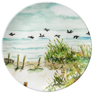 Dunas de arena de Outer Banks y gaviotas Plato De Cerámica
