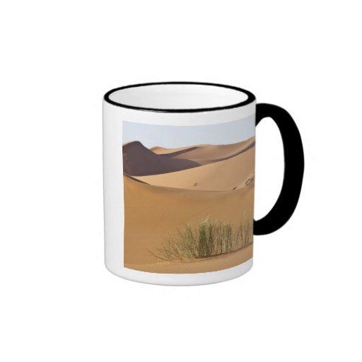 Dunas de arena, desierto del Sáhara, Marruecos Taza A Dos Colores
