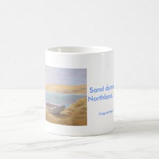 Dunas de arena en Opononi, tierra del norte, Nueva Taza De Café