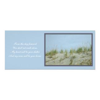 Dunas de arena que casan la invitación