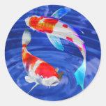 Dúo de Kohaku en la charca azul profunda Pegatinas Redondas