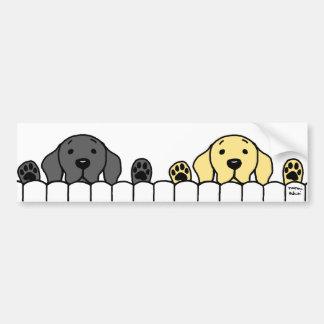 Dúo de Labrador que le mira Pegatina De Parachoque