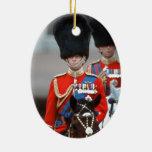 Duque de HRH de Edimburgo Adorno Navideño Ovalado De Cerámica