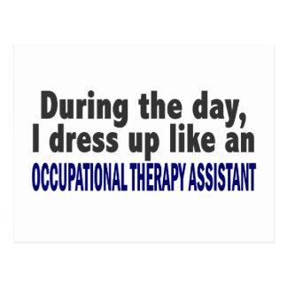 Durante el ayudante de la terapia profesional del postales