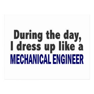 Durante el día me visto para arriba como ingeniero tarjeta postal