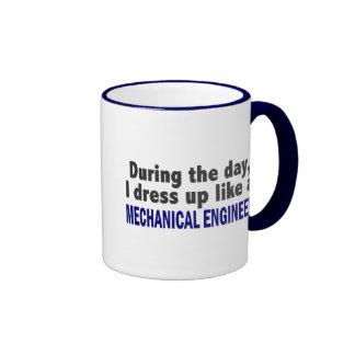 Durante el día me visto para arriba como ingeniero taza de café