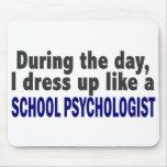 Durante el día me visto para arriba como psicólogo tapete de ratones