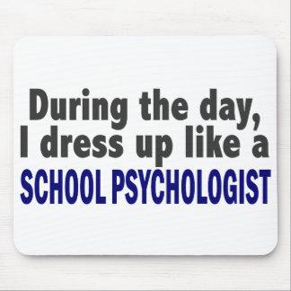 Durante el día me visto para arriba como psicólogo mousepad