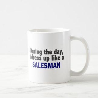Durante el día me visto para arriba como un vended taza