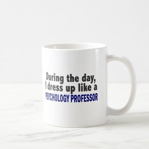 Durante el día visto para arriba al profesor de la taza de café