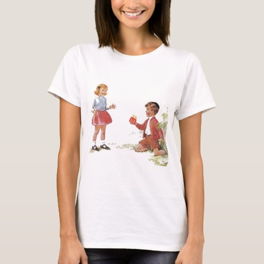 Duvid likes Golde. T-Shirt