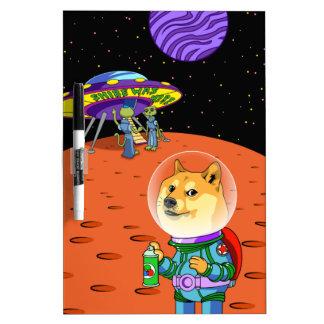 Dux Astro de Shibe y el dibujo animado de los Pizarras Blancas