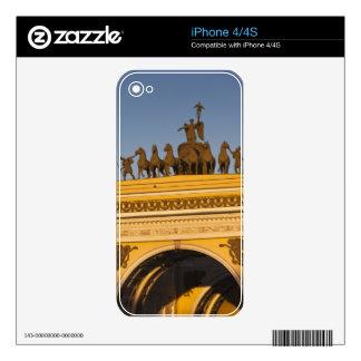 Dvortsovaya Square, Triumphal Arch, sunset Skin For iPhone 4