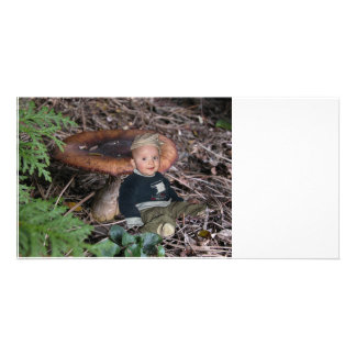 Dwarf rests on the king bolete photo card