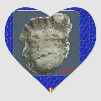 dws bigfoot researchers heart sticker