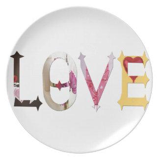 Dymond Speers LOVE DINNER PLATES