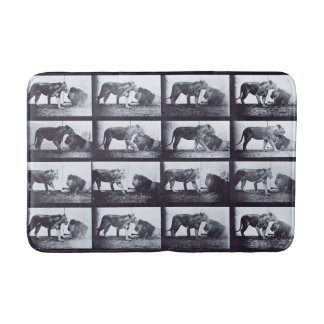 EADWEARD MUYBRIDGE: Lioness & Lion - Bath Mat
