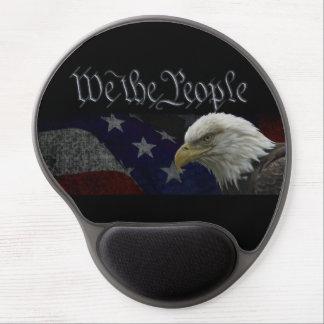 Eagle calvo americano con la bandera alfombrilla con gel